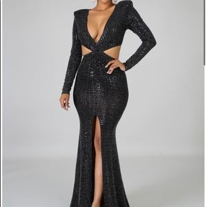 Shimmery Black Mermaid Style Gown